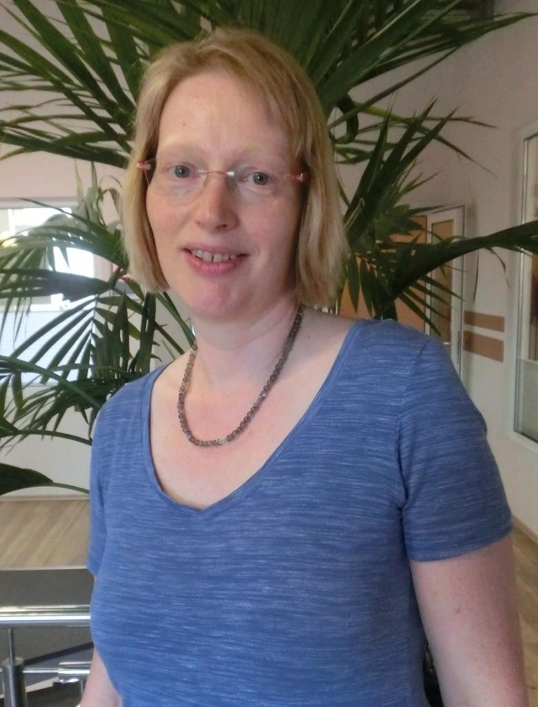 Christina Jusko Slim Belly Bauch weg gesund Abnehmen Gewicht verlieren Fett verbrennen Bauchfett dicker Bauch schlankeTaille ohne Diät Fettverbrennungstraining Straffen Achim Bremen